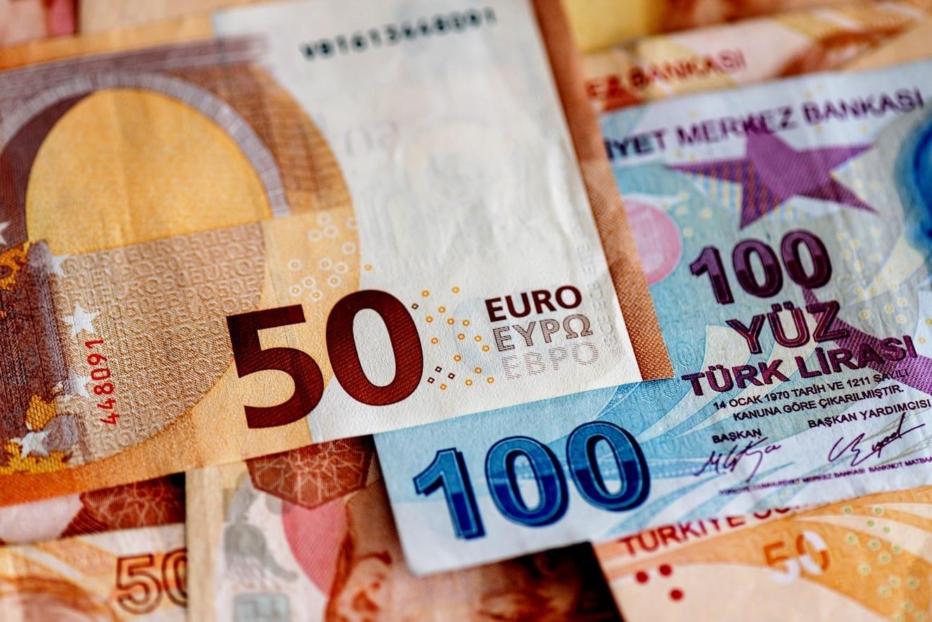 Forex L Euro Se Negocie Pres D Un Sommet Historique Face A