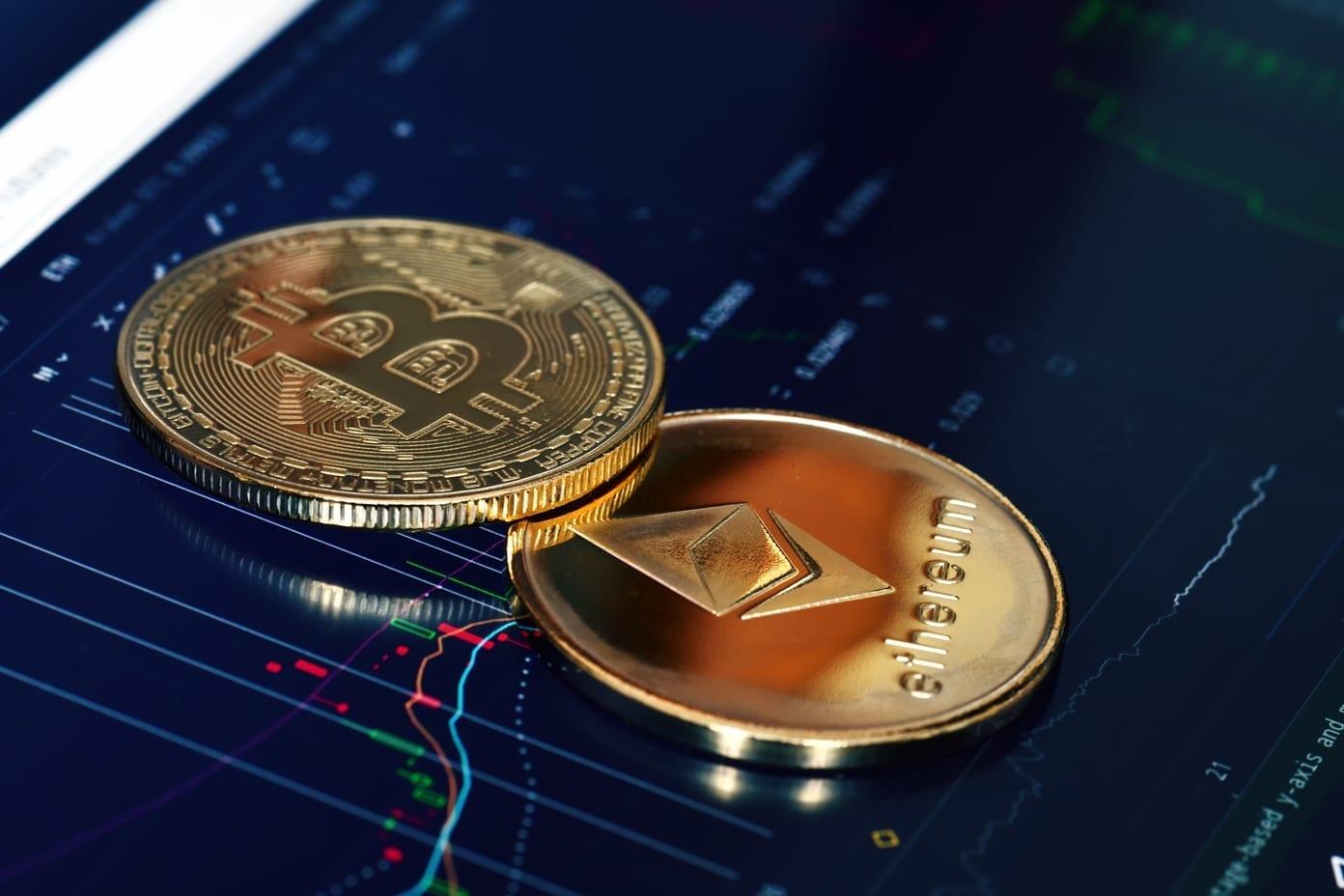 Le Bitcoin a retrouvé le niveau de $6220 USD et apporte un peu d'optimisme sur le marché des cryptomonnaies. Les lignes de tendance qui régissent aux mouvement des prix se réunissent vers ce point, qui pourrait peut-être arriver au début du mois d'août. E
