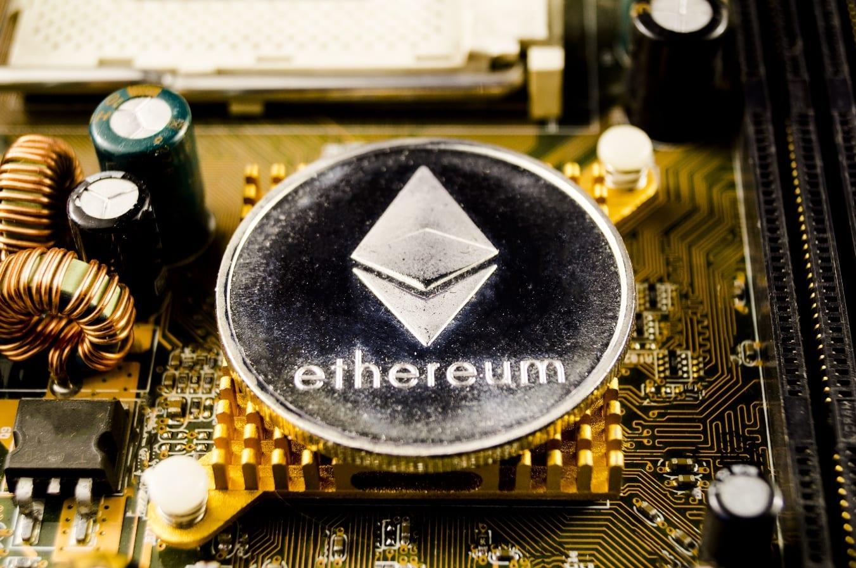 La cryptomonnaie Ether (ETH) de la blockchain Ethereum se négocie près de $430 après avoir touché $425 ce mercredi. Le cofondateur d'Ethereum, Joseph Lubin, a déclaré que la communauté ne se préoccupait pas des fluctuations de prix de la cryptomonnaie Eth
